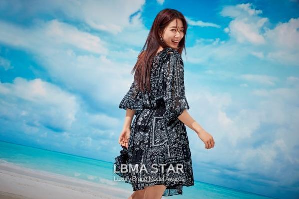 박신혜, 청아한 여름 향기 가득한 화보 공개